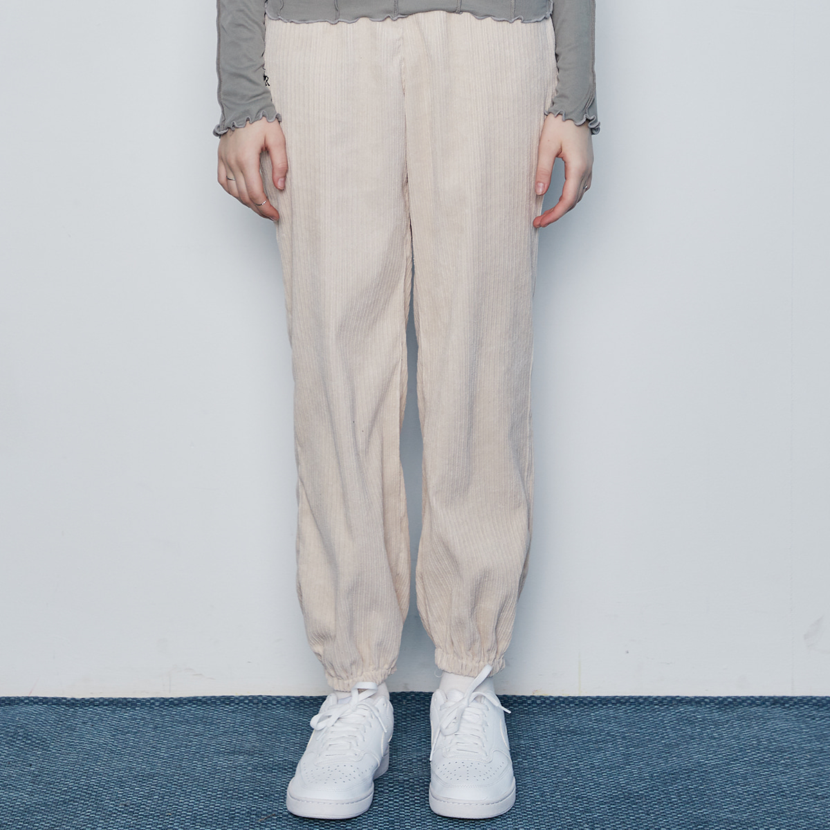 IN JOGGER PANTS(CREAM)